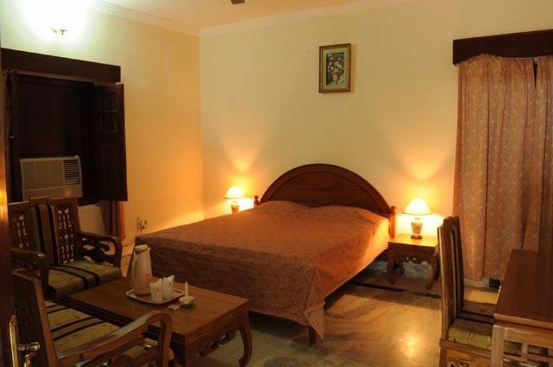 Maharajas Royal Retreat in Bandhavgarh