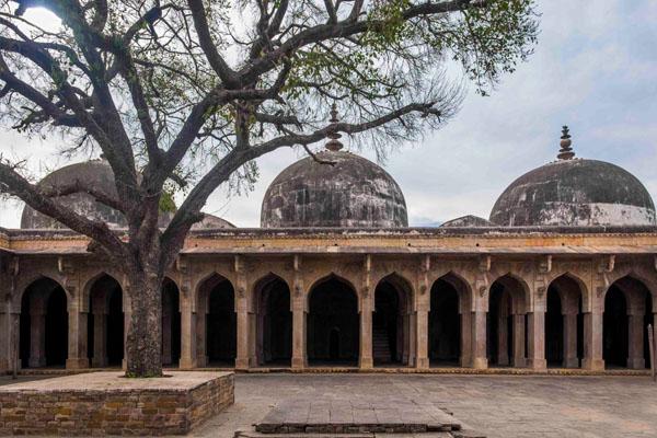 Pachmadhi Masjid Chanderi Madhya Pradesh