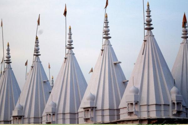 Shri Chobisi Jain temple Chanderi Madhya Pradesh