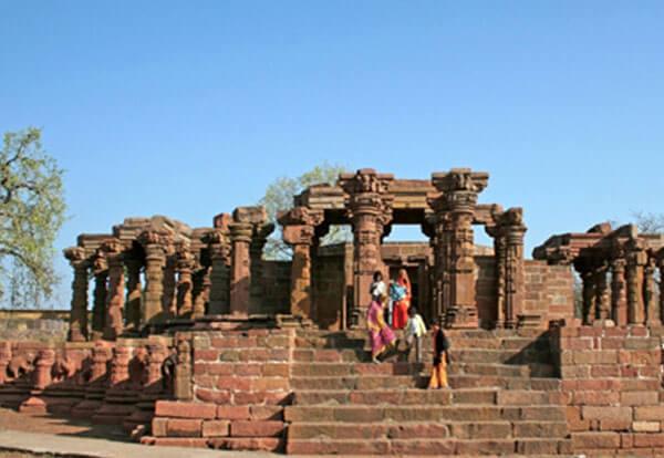 Oon temples Mandleshwar Madhya Pradesh