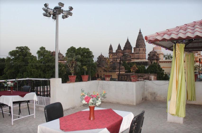 Hotel aditya orchha